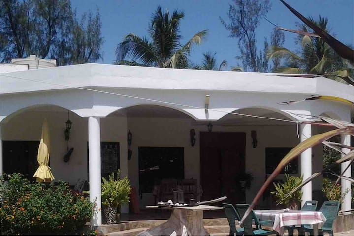 Samburu-House Watamu