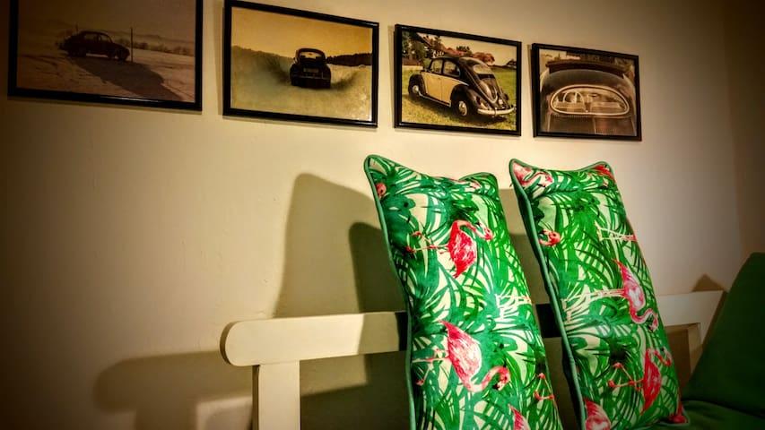 Cozy room in spacious colonial house, San Antonio - Cali - Casa
