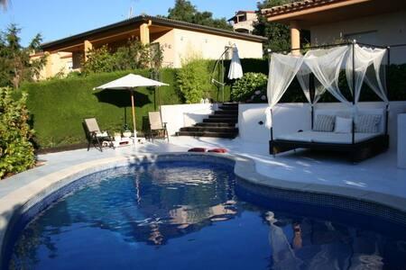 Alquiler casa aislada con piscina en Sta Cristina - Santa Cristina d'Aro