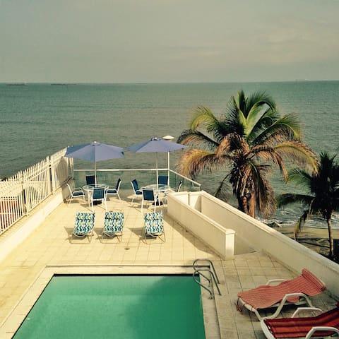 IMPRESSIVE HOUSE FOR 16 - Santa Marta - Haus