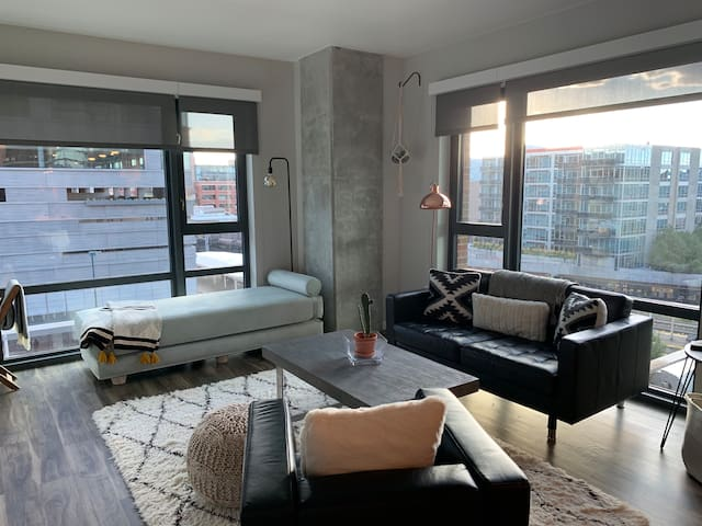 ★|Chic Downtown DenverApartment|Walk everywhere|★