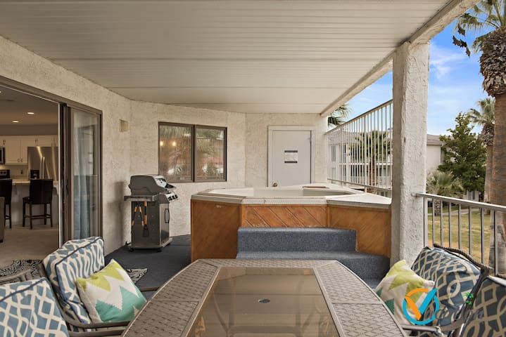 Enjoy private hot tub with beautiful pool view!