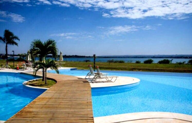 Quarto no Condomínio Ilhas do Lago - Brasília - Huoneisto