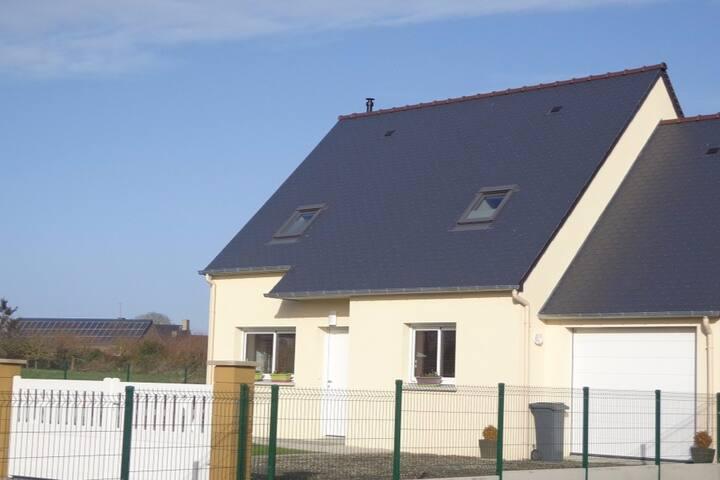 maison contemporaine en baie du mont st michel