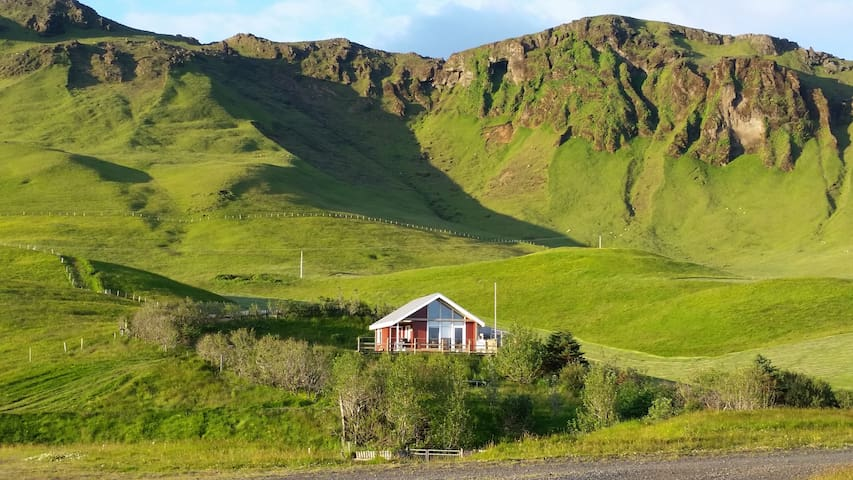 Ásendi Cottage - Vík - House