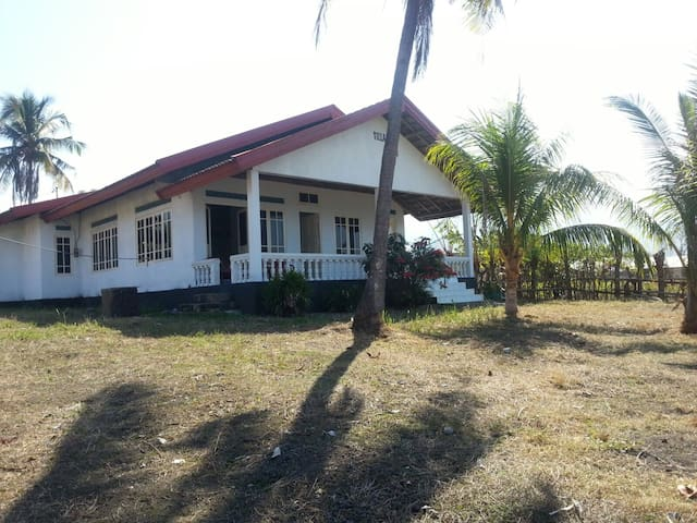 Villa Gladys - East Nusa Tenggara - Bed & Breakfast