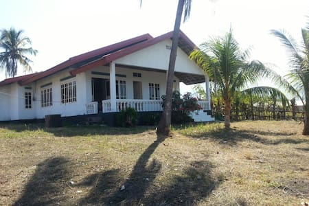 Villa Gladys - East Nusa Tenggara - Гестхаус