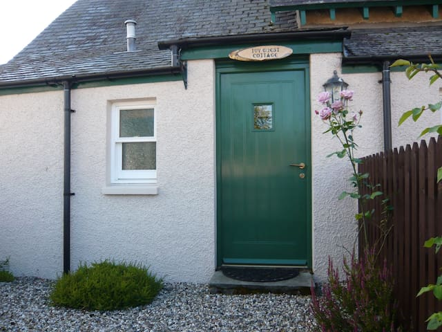 Guest Cottage at Ivy Cottage
