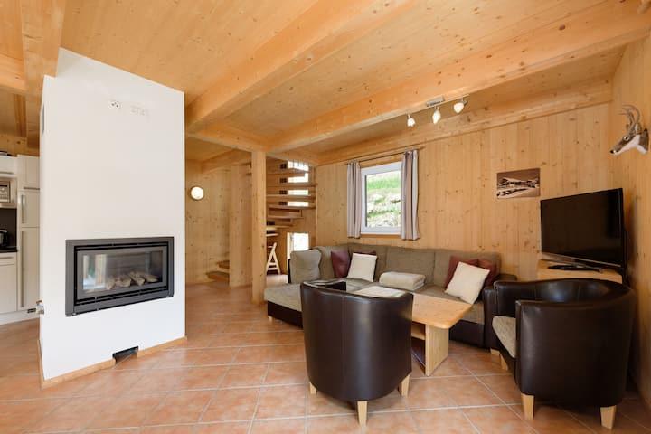 Cozy Chalet in Hohentauern with Sauna