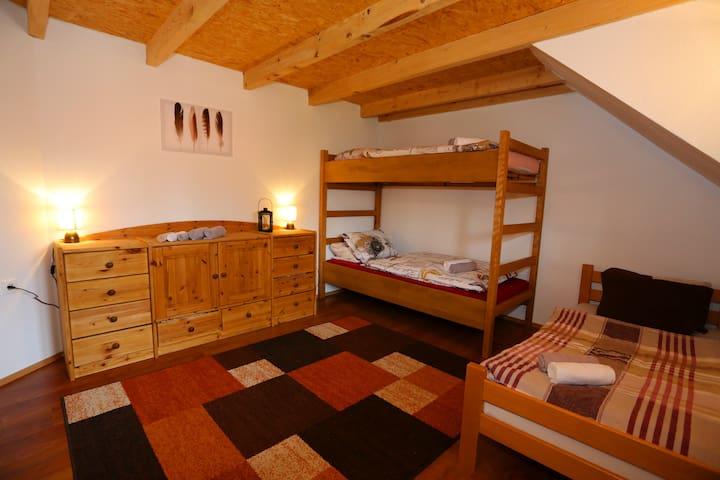 Rustikal-Modernes Zimmer in atemberaubender Natur - Rudopolje Bruvanjsko