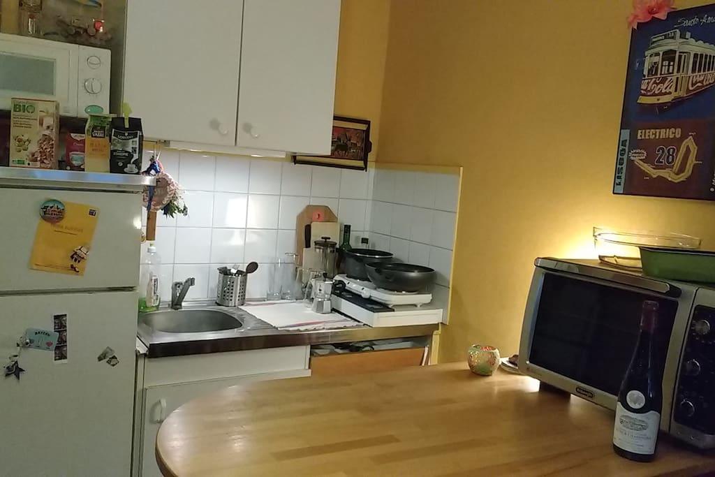Kitchen / Table / Breakfast - meal - dinner