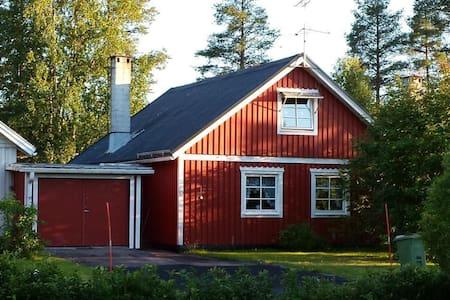 Villa Elsy, nur 5 km vom Storforsen, Schwedens größten Stromschnellen entfernt