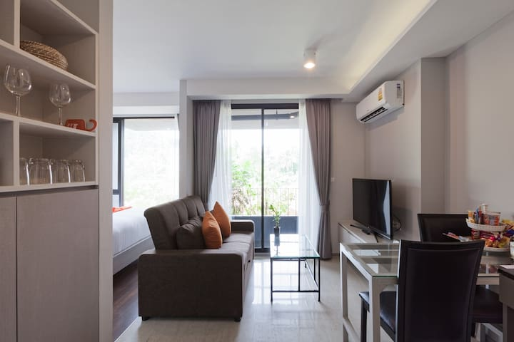 F6S1 Comfy Studio @ 6  Avenue Surin