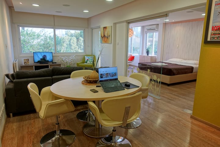 The Hive Residence, Luxurious, designer 2 bedroom