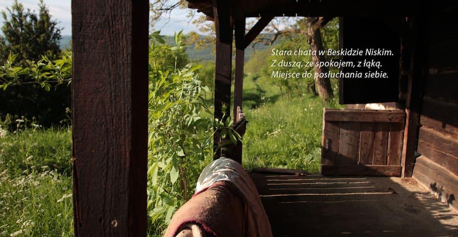Dom Popielic - chata z duszą w Beskidzie Niskim