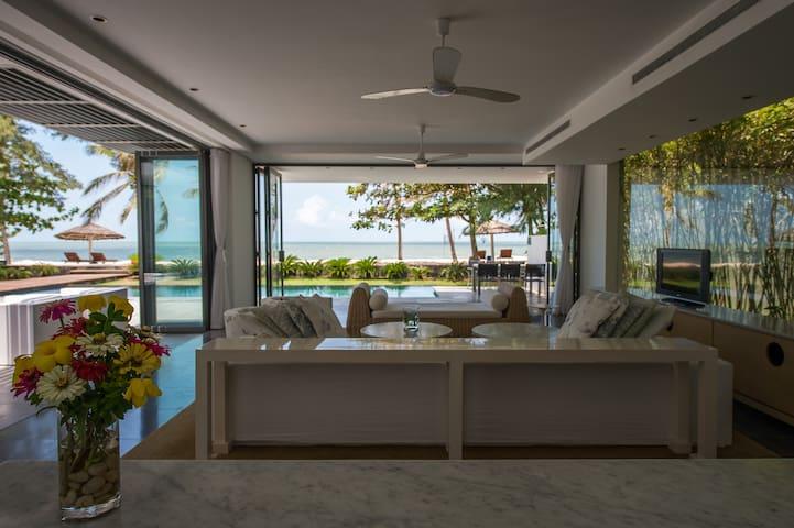 Premium Beachfront Pool Villa - Vũng Tàu - Casa de campo