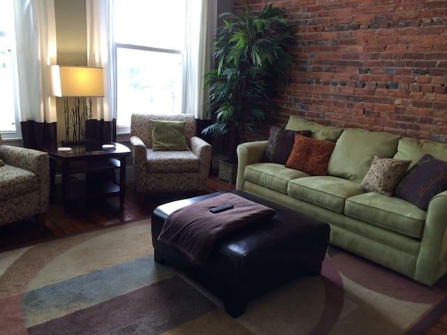 Tangleberries Suite #2-two bedroom apartment