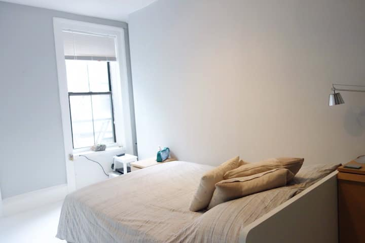 Spacious Apt In The Heart of East Village