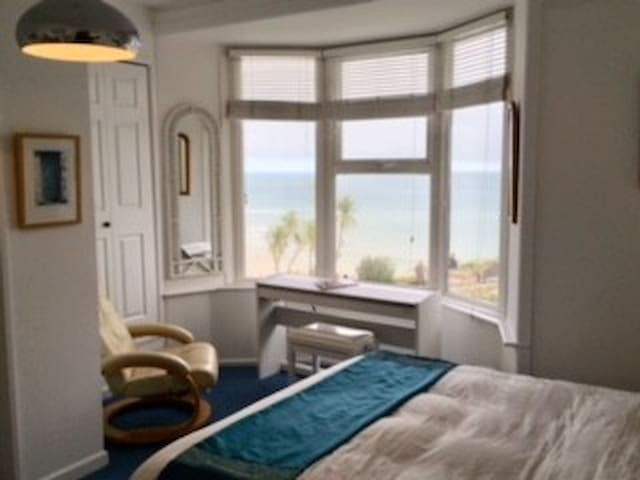 Luxury Room 5 mins walk to St Ives Town and Beach