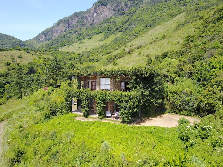 The Mountain Ivy House - Sri Lanka