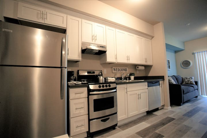 Charming New Apartment Close to Downtown