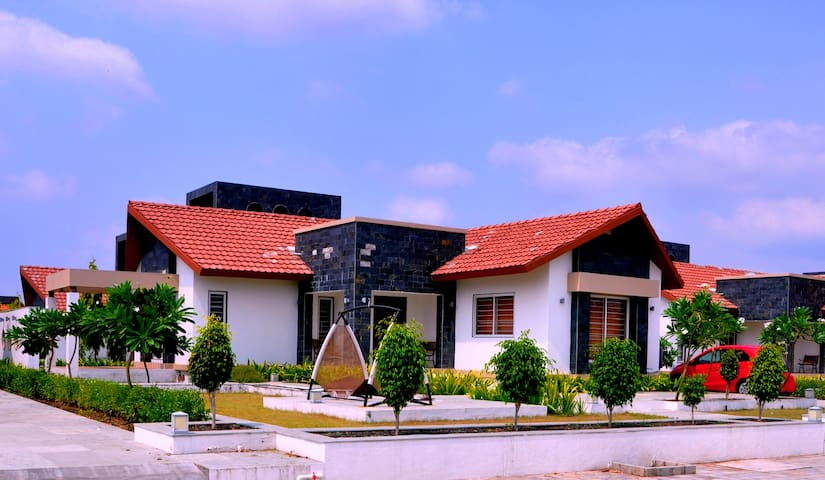 Luxurious Farmhouse with all modern facilities. - Rajkot