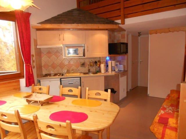 appartement duplex pour 6 personnes - Les Orres - Apartemen