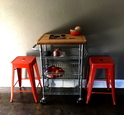 Colorful and eclectic blend of vintage and modern!