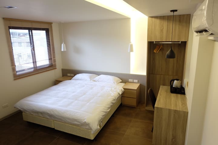 Little W House (14) -  NanJing FuXing MRT  5 mins