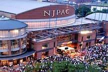 ✨ Historic Newark few minutes to EWR / PENN