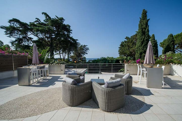 5-bedroom villa with pool on Gigaro beach - La Croix-Valmer - Villa