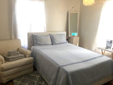 Cozy Bedroom in Valley Village
