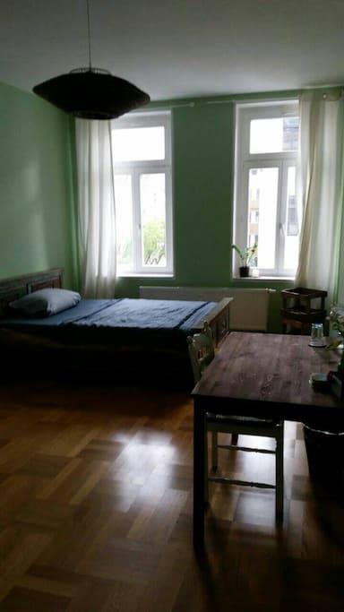 gem tliches zimmer direkt am park wohnungen zur miete in leipzig sachsen deutschland. Black Bedroom Furniture Sets. Home Design Ideas