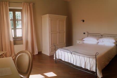 Dimora Cortese - Room Primavera - Castagnole delle Lanze