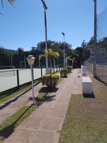 Flat Cavalinho Branco Unidade Particular 410