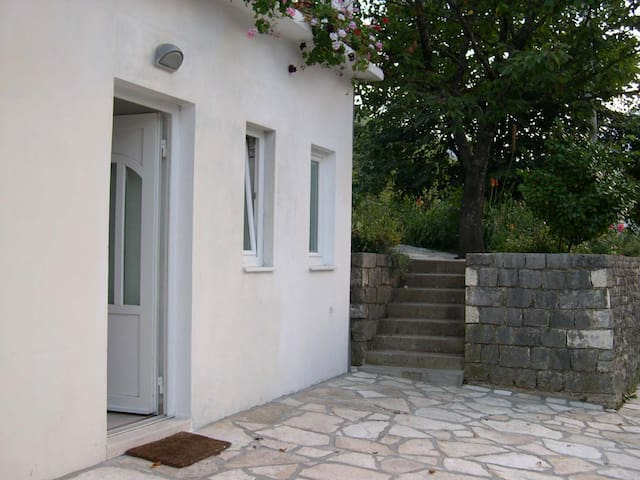 Apartments Kostanjica