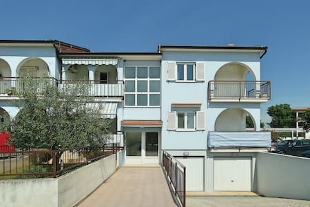 1 Bedroom Apts in Vabriga - Vabriga