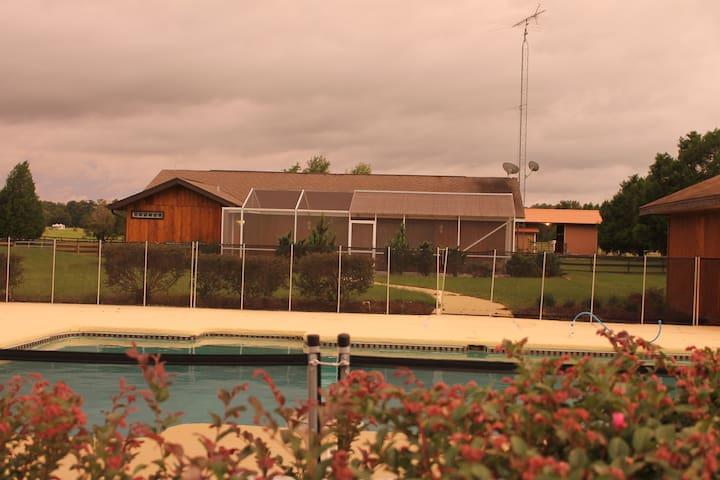 Elysium Fields Farm-Cyprus Cottage Guesthouse