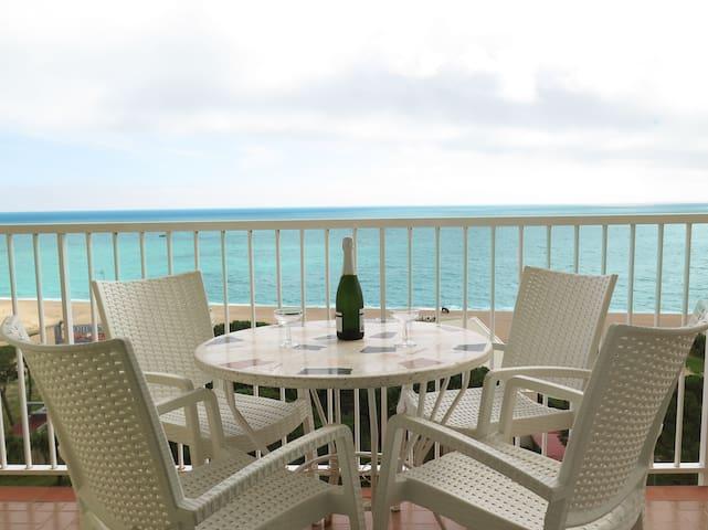 Terraza con espectaculares vistas al mar