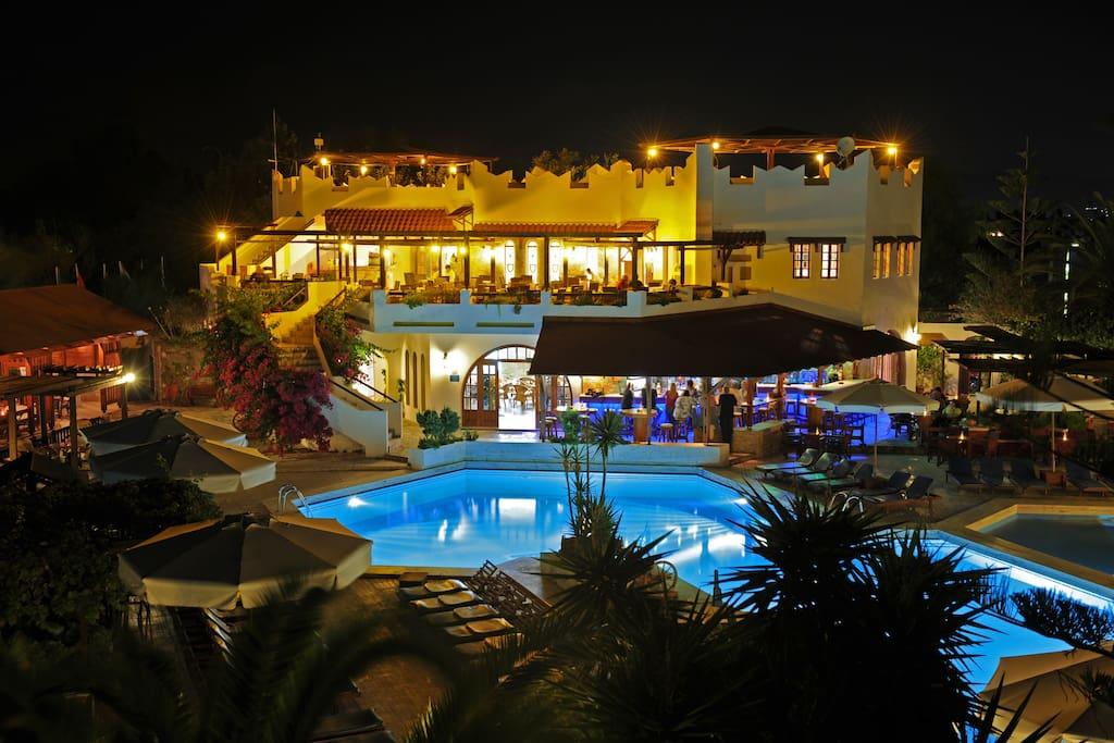 Restaurant night view