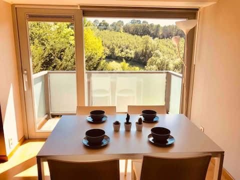 Duplex indépendant avec superbe vue boisée +balcon