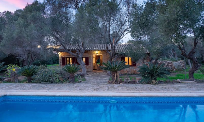 Cozy Private double room in a beautiful Finca