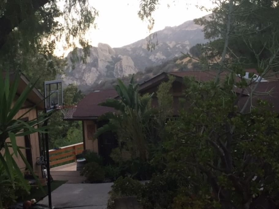 Your AirBnB home in the mountains beckons you!