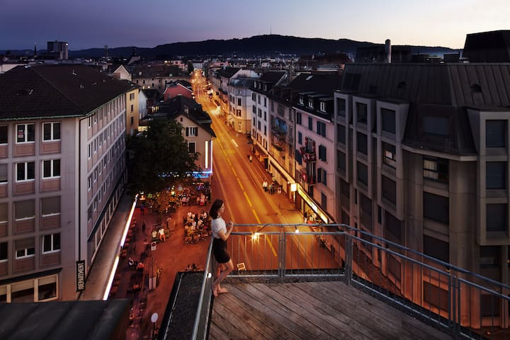 In the heart of Zürich with rooftop - Zurique - Apartamento