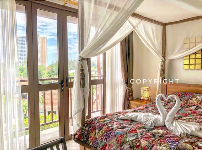 Condo  2 beds 250meters  From beach.