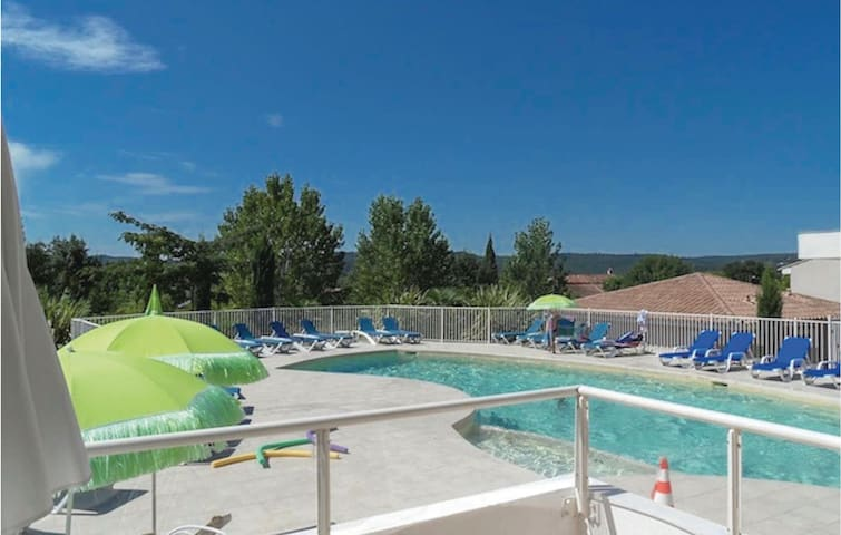 Holiday cottage with 2 bedrooms on 55m² in Montauroux