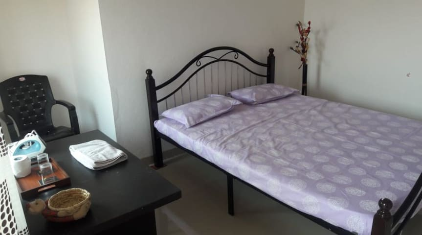 Feel home, Comfortable room with ac, breakfast.