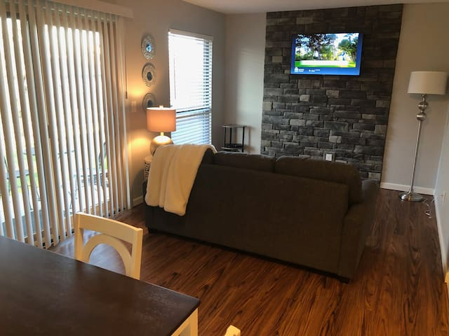 Newly remodeled 1 bedroom condo in Pointe Royale