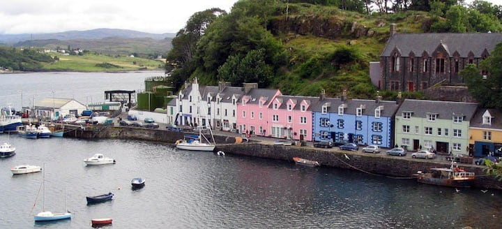 The Cedar-Portree-Isle of Skye