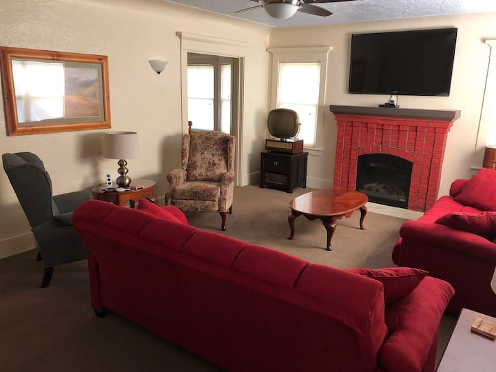 Robertson Villa 2BR Cozy Cottage with Full Kitchen